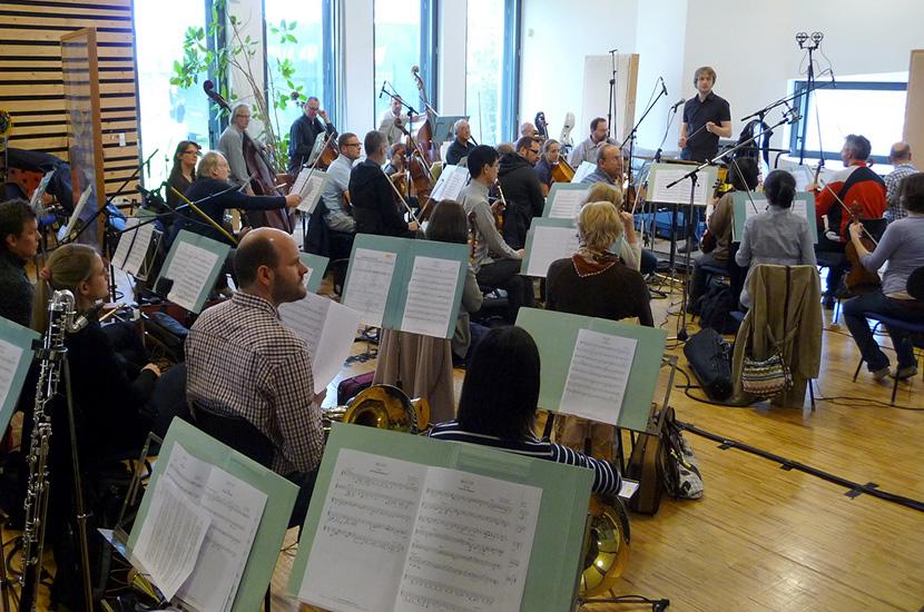 Nürnberger Symphoniker im Streetlife Studio mit Dirigent und Arrangeur David Zell.